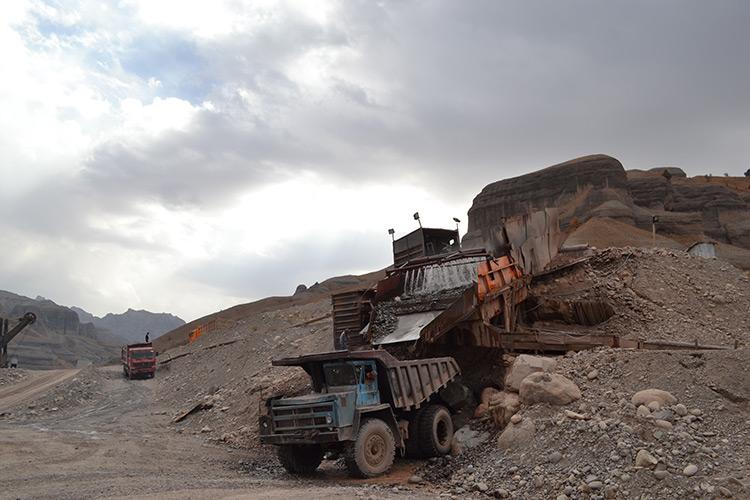 Tajikistan ratifies transfer of gold mines to Chinese